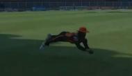 IPL 2020 MI vs SRH: मनीष पांडे ने हवा में उछलते हुए पकड़ा इतना शानदार कैच, जिसने भी देखा रह गया दंग, देखें वीडियो