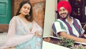 Neha Kakkar admits she's in love with singer Rohanpreet Singh; shares adorable pic