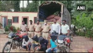 Maharashtra: 4 held for stealing 58 bags of onions from farmer in Pune