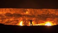 रेगिस्तान में स्थित वो जगह जिसे कहा जाता है नर्क का दरवाजा, 50 सालों से जल रही है आग, कोई नहीं जानता इसका रहस्य