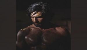 Ranveer Singh flaunts chiselled physique in latest Instagram post: 'Monday Motivation'