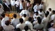 मंदिर में पूजा कर रहे थे पूर्व विधायक, अचानक गिरे धड़ाम और निकल गई जान, CCTV वीडियो आया सामने