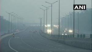 Delhi Pollution: Delhiites wake up to hazy skies as AQI drops to 'very poor'