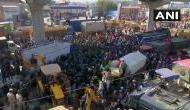 किसान आंदोलन: टिकरी बॉर्डर पर किसान इकट्ठा हुए, सिंघु बॉर्डर पर पुलिस ने किया आंसू गैस का इस्तेमाल