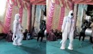 पीपीई किट पहन शादी में शामिल होने पहुंचा युवक, जमकर किया ऐसा डांस वीडियो देख हो जाएंगे आप हैरान