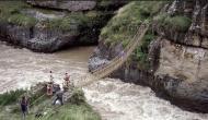 अजब: दुनिया का सबसे खतरनाक पुल, जहां चलने वालों की निकल जाती है चीख