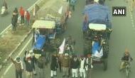किसान आंदोलन : दिल्ली की ओर बढ़ रहे हैं 700 ट्रैक्टर, दिल्ली के कई रस्ते बंद, एडवाइजरी जारी
