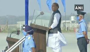 रक्षा मंत्री ने लिया एयर फोर्स कंबाइंड ग्रेजुएशन परेड का जायज़ा, कहा- भारत हर चुनौती के लिए तैयार