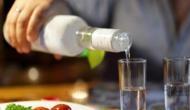 अधिकारियों की सलाह- इस कोरोना वैक्सीन को लेने के बाद दो महीने तक न पिएं शराब, वरना हो सकता है खतरनाक