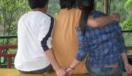 अजब: एक ही लड़की से हुआ दो दोस्तों को प्यार, तीनों एक साथ ही रहने को तैयार