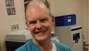 डॉक्टर को दी गई थी Pfizer की कोरोना वैक्सीन, शरीर में दिखने लगे थे अजीब लक्षण, 16 दिन बाद मौत