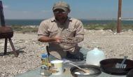 खौफनाक Video: सांप ने डसा तो उसे मारकर उतारी खाल, दूध और मसालों के साथ पकाया और खा गया