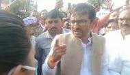 SDM कामिनी ठाकुर को कांग्रेस विधायक ने सरेआम दी धमकी- महिला नहीं होती तो कॉलर पकड़ कर..