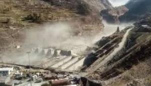 उत्तराखंड: चमोली में ग्लेशियर टूटने से 150 लोगों के बहने की आशंका, PM मोदी ने की मुख्यमंत्री से बात