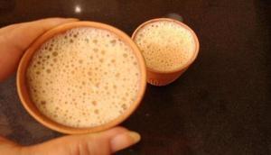 Health Care Tips: सर्दी में जोरदार खांसी से हैं परेशान तो चाय में डाले ये चीजें और पाएं झटपट आराम