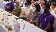 IPL Auction में दिखी शाहरुख खान के बेटे आर्यन की चमक, जूही चावला की बेटी भी आईं नजर