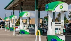 पेट्रोल-डीजल की बढ़ती कीमतों पर 13वें दिन लगा ब्रेक, आज ये हैं आपके शहर में तेल की कीमत