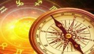 Vastu Tips: इन आदतों के चलते रुत जाती है तरक्की, आज से ही शुरु कर दें इनमें बदलाव
