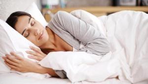 आपको भी है अनिद्रा की समस्या तो भूलकर भी न खाएं नींद की गोली, इस घरेलू नुस्खे से पलभर में सो जाएंगे आप