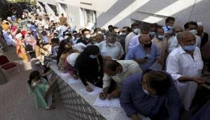 Covid vaccination suspended after chaos at Karachi's biggest inoculation centre