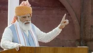I-Day: PM Modi continues with flamboyant 'pagadi' tradition, sports Kolhapuri Pheta style safa with long trail