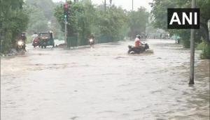 Delhi: Waterlogging hits vehicular movement