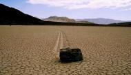 Death Valley: जहां खुद ब खुद खिसकते हैं पत्थर, वैज्ञानिक भी नहीं लगा पाए आजतक इस रहस्य का पता