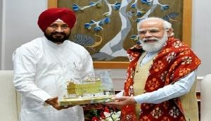 Punjab CM Channi meets PM Modi, asks him to resume dialogue with farmers protesting against farm laws