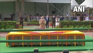 Delhi: PM Modi pays tributes to Lal Bahadur Shastri on his 117th birth anniversary at Vijay Ghat