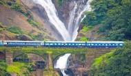 दूधसागर झरने के बीच से गुजरी ट्रेन, वीडियो में देखें प्रकृति का अद्भुत नजारा
