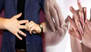 हाथों को आराम देने के लिए चटकाते हैं उंगलियां तो हो जाएं सावधान, जीवनभर झेलनी पड़ेगी ये बीमारी