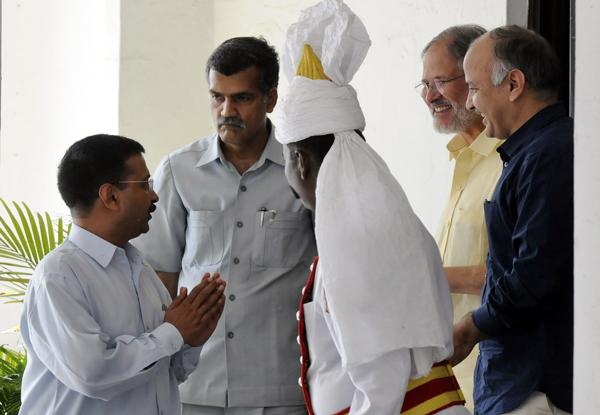 Arvind Kejriwal, LG, Delhi statehood