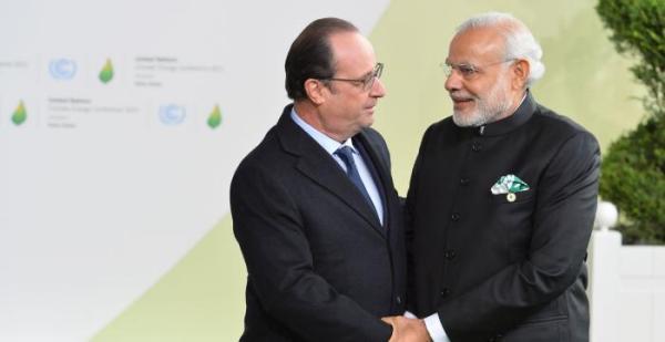 Hollande-Modi-600