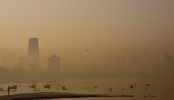 mumbai smog embed