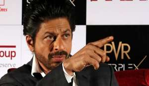 You need to check out Shah Rukh Khan's response to the #JioRemoveSRK vs #JioOnlyForSRK row