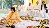 Decoding a photograph: Mulayam's family proves patriarchy is alive and well