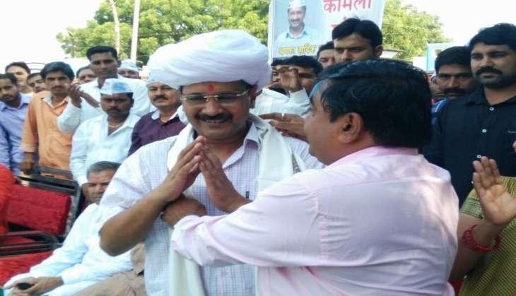 Hardik Patel extends support to Arvind Kejriwal, asks AAP to back Patel community's demands