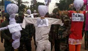Bastar Police takes a page out of protesters' book, burns effigies of social activists