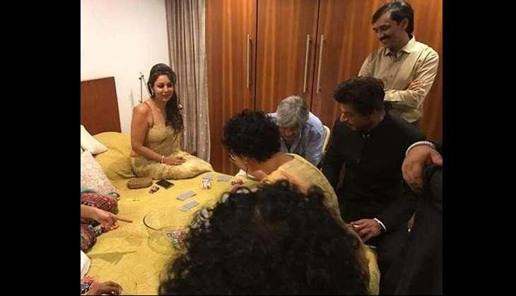 Shah Rukh Khan at Aamir Khan, Diwali bash (Twitter)
