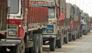 Demonetisation crisis: With 7 lakh trucks stuck on highways, apex transportation body lists out its demands