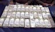 जनशताब्दी एक्सप्रेस से 35 लाख के पुराने नोट और 14 बोतल विदेशी शराब बरामद