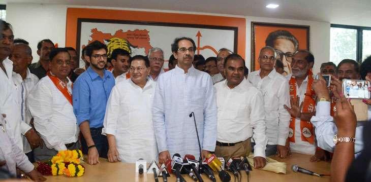 Shiv Sena tries to lure Gujaratis 1