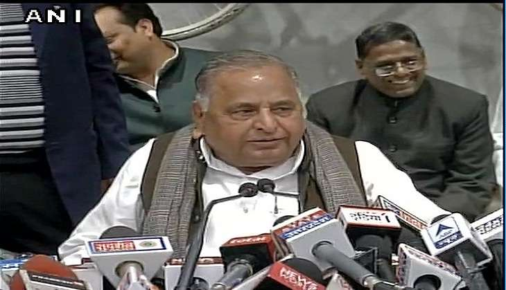 SP leader Mulayam Singh Yadav declares 325 candidates for UP Assembly polls