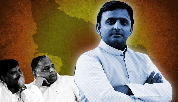 Mulayam expels Akhilesh from Samajwadi Party