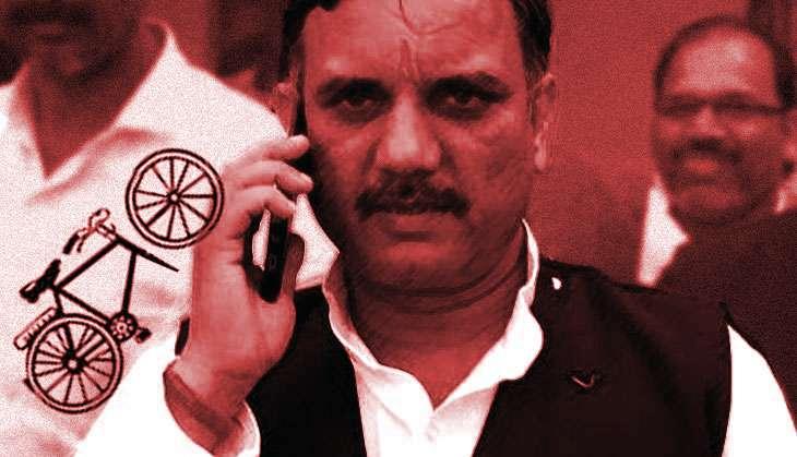 Akhilesh's aide: Amar Singh & Shivpal are conspirators