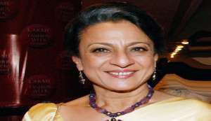 Tanuja makes small screen debut with Aarambh